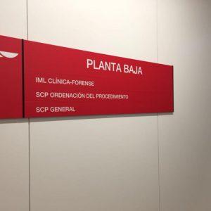 Diretorio modelo Recto con placas intercambiables para Juzgados de Palencia