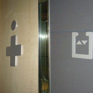 Iconos de Aluminio Anodizado Recortado para Sede Mahou Méndez Álvaro