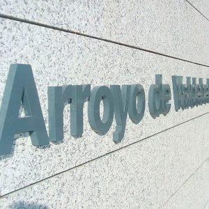 Letras Ciegas de Aluminio Lacado para Edificio Vestas