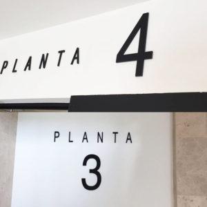 Letras Metacrilato negro para Hospital San Francisco de Asis